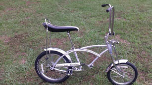 9f646bdaefd Schwinn Grey Ghost Sting-Ray Limited production run of 1400. Features a  springer front fork, 16